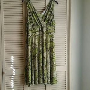 Avenue Lime Green & White Leaf Print Dress